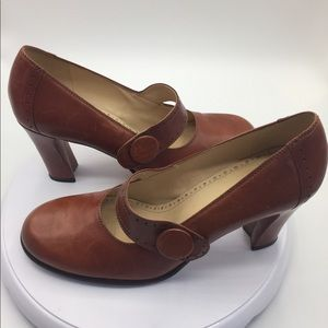 Ladies Antonio Melani Rust Leather Mary Jane Heels